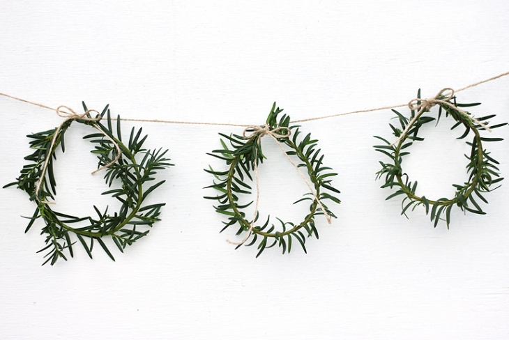 Mini-Wreath-Garland-@themerrythought-(pp_w730_h488)